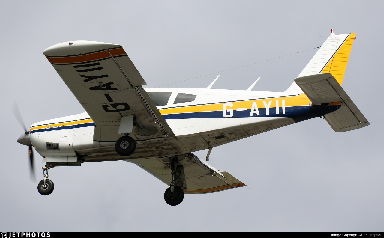 G-AYII - Piper PA-28R-200 Cherokee Arrow - Private