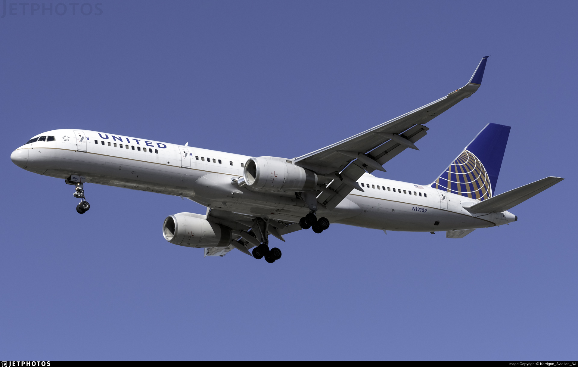 N12109 - Boeing 757-224 - United Airlines