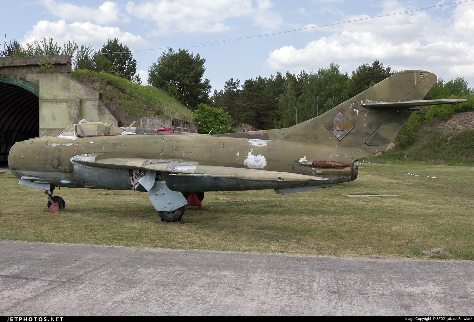 08 - Mikoyan-Gurevich MiG-17 Fresco - German Democratic Republic - Air Force