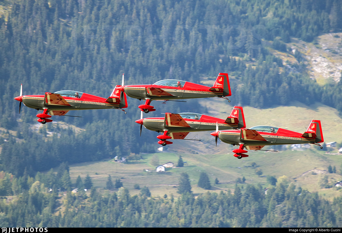 JY-RFC - Extra EA 300LP - Royal Jordanian Falcons