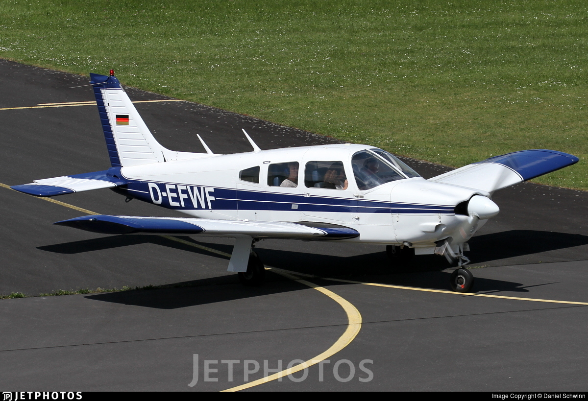 D-EFWF - Piper PA-28R-200 Cherokee Arrow II - Private