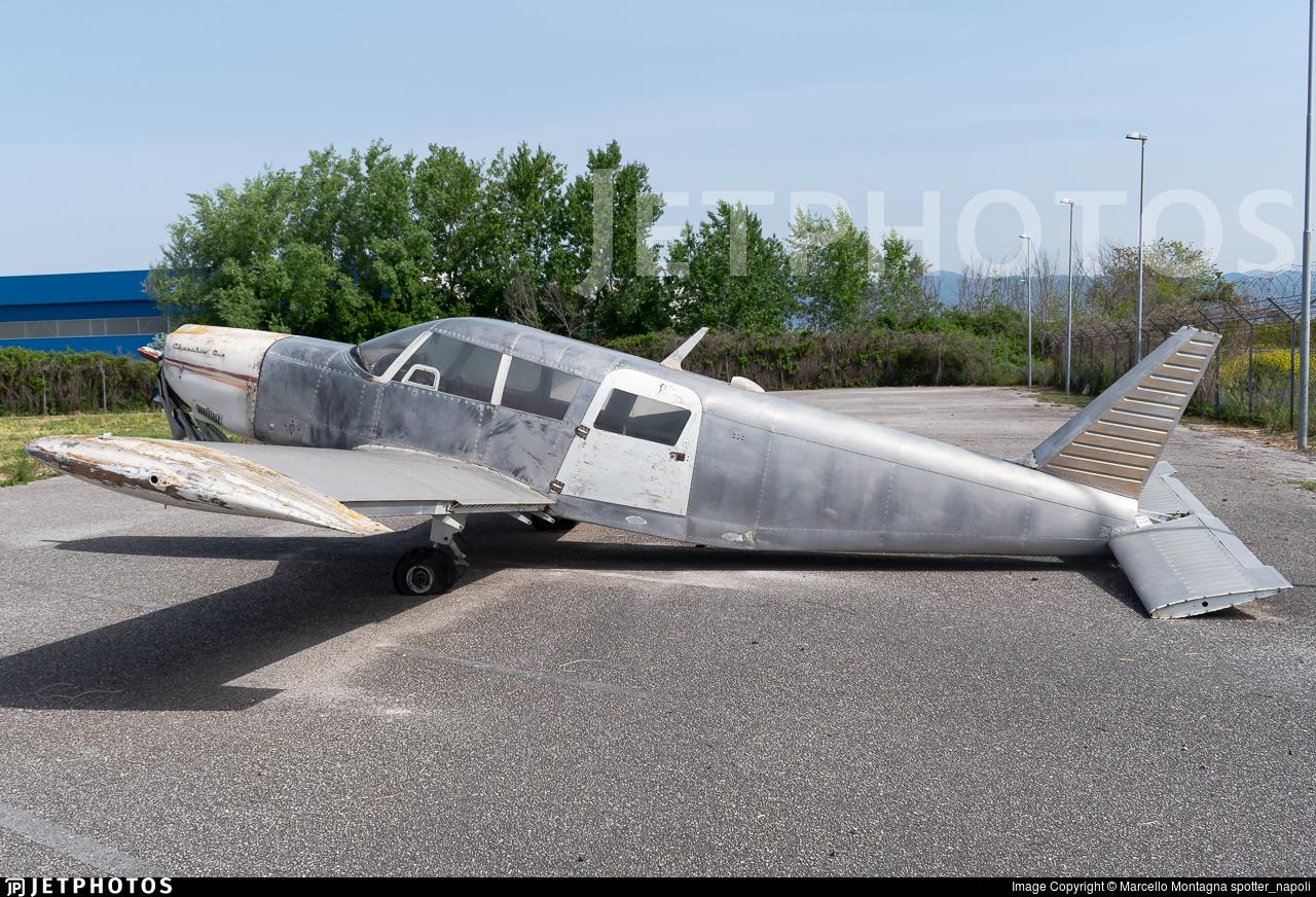 - Piper PA-32-260 Cherokee Six - Untitled