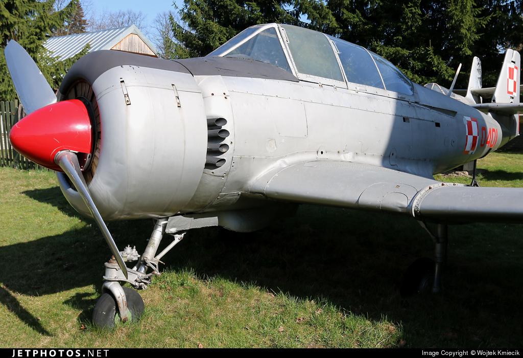 0401 - PZL-Mielec TS-8 Bies - Poland - Air Force