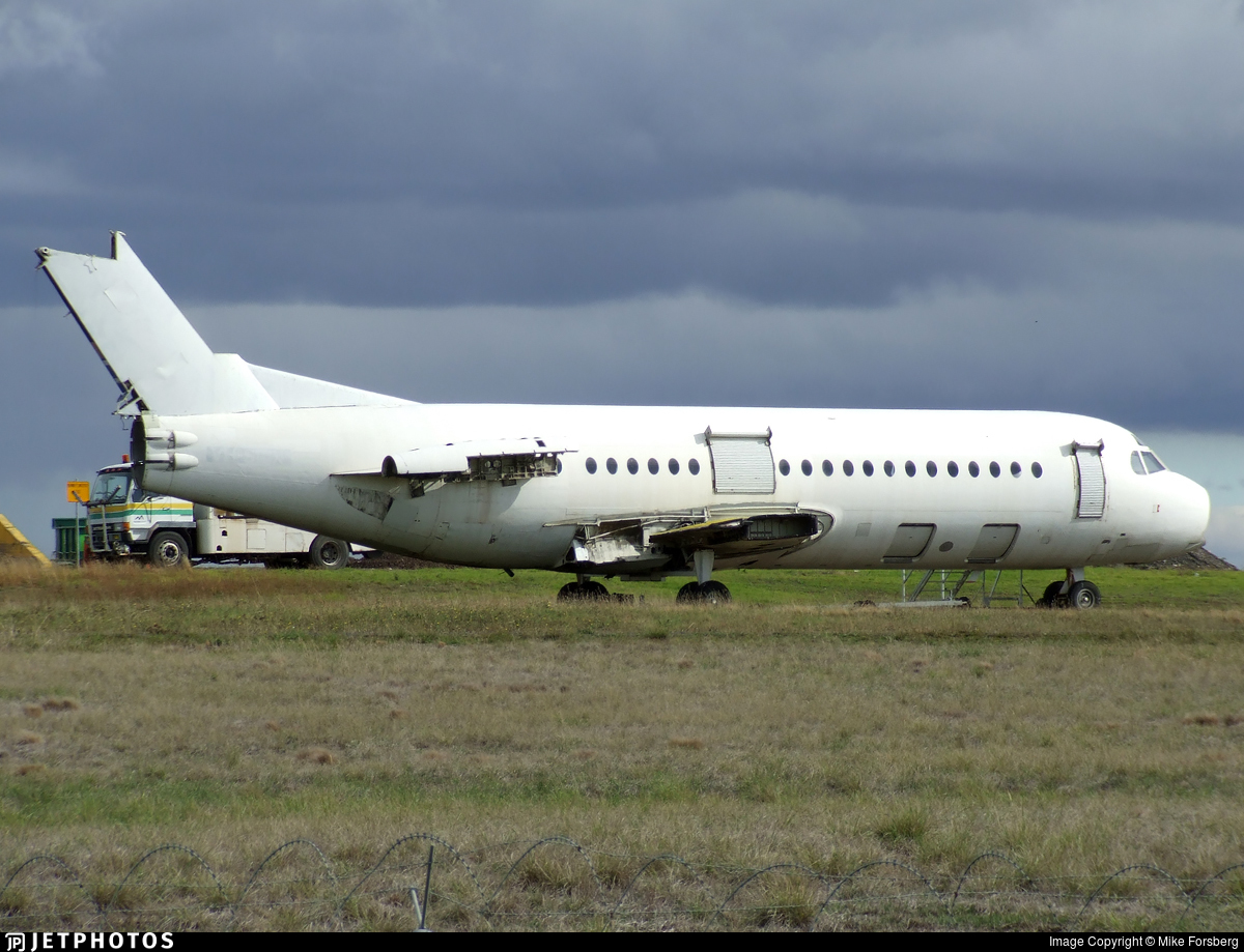 VH-FKJ - Fokker F28-4000 Fellowship - Untitled