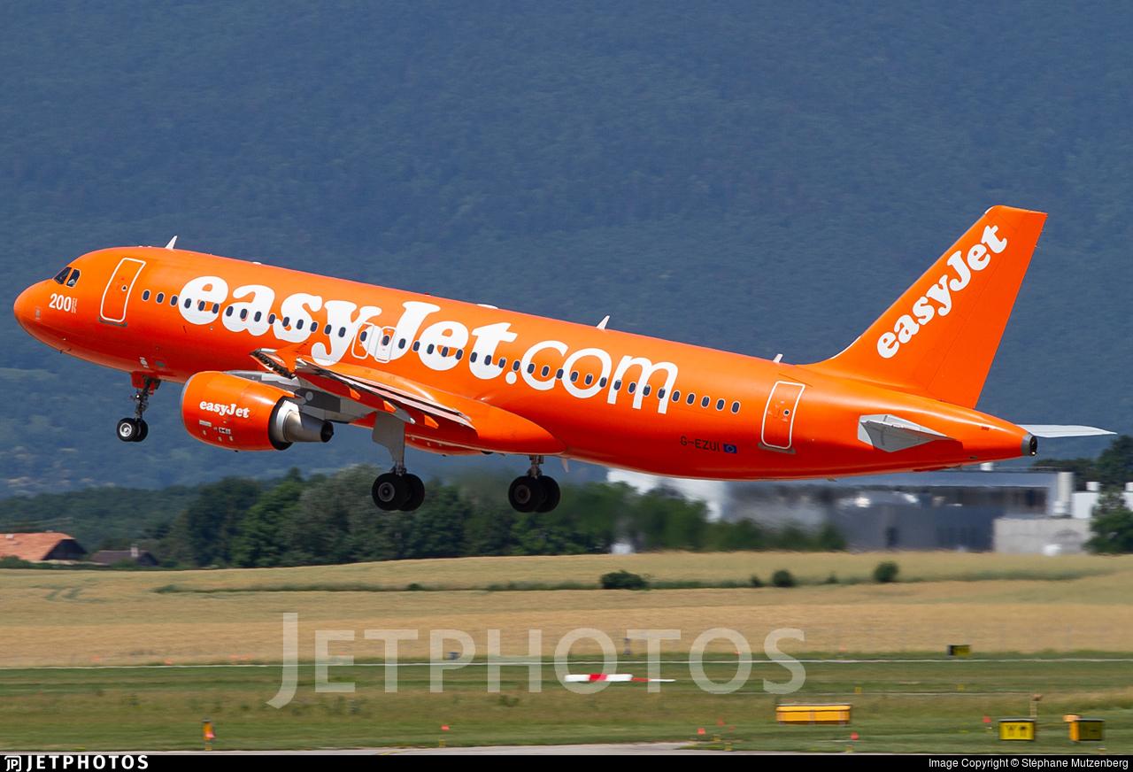 G-EZUI - Airbus A320-214 - easyJet