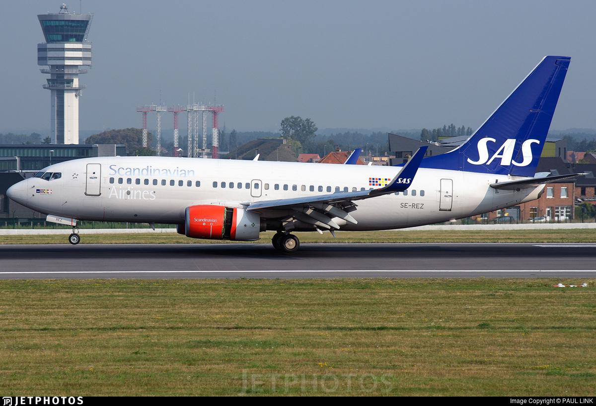 SE-REZ - Boeing 737-76N - Scandinavian Airlines (SAS)