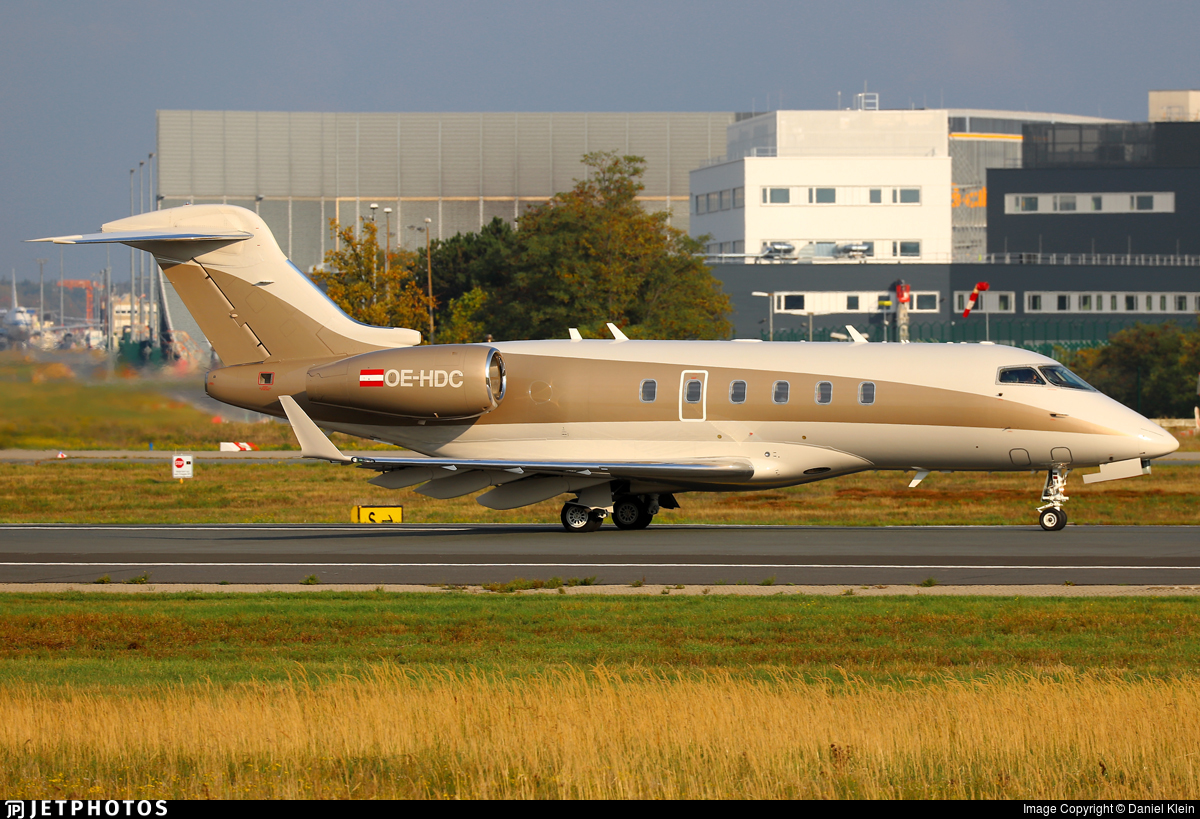 OE-HDC - Bombardier BD-100-1A10 Challenger 300 - LaudaMotion Executive