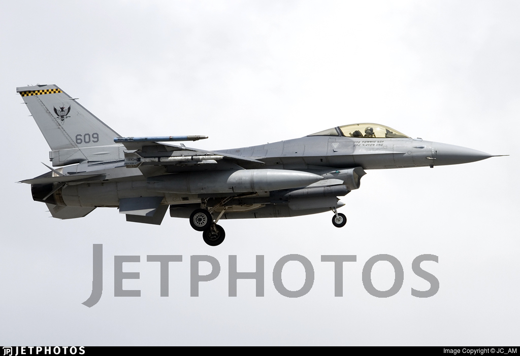609 - Lockheed Martin F-16CJ Fighting Falcon - Singapore - Air Force