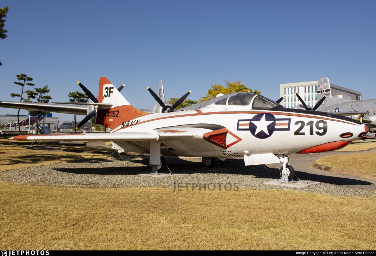 141152 - Grumman TAF-9J Cougar - United States - US Navy (USN)