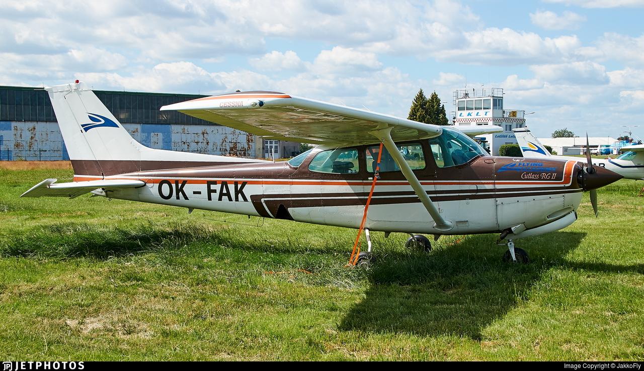 OK-FAK - Cessna 172RG Cutlass RG - Flying Academy