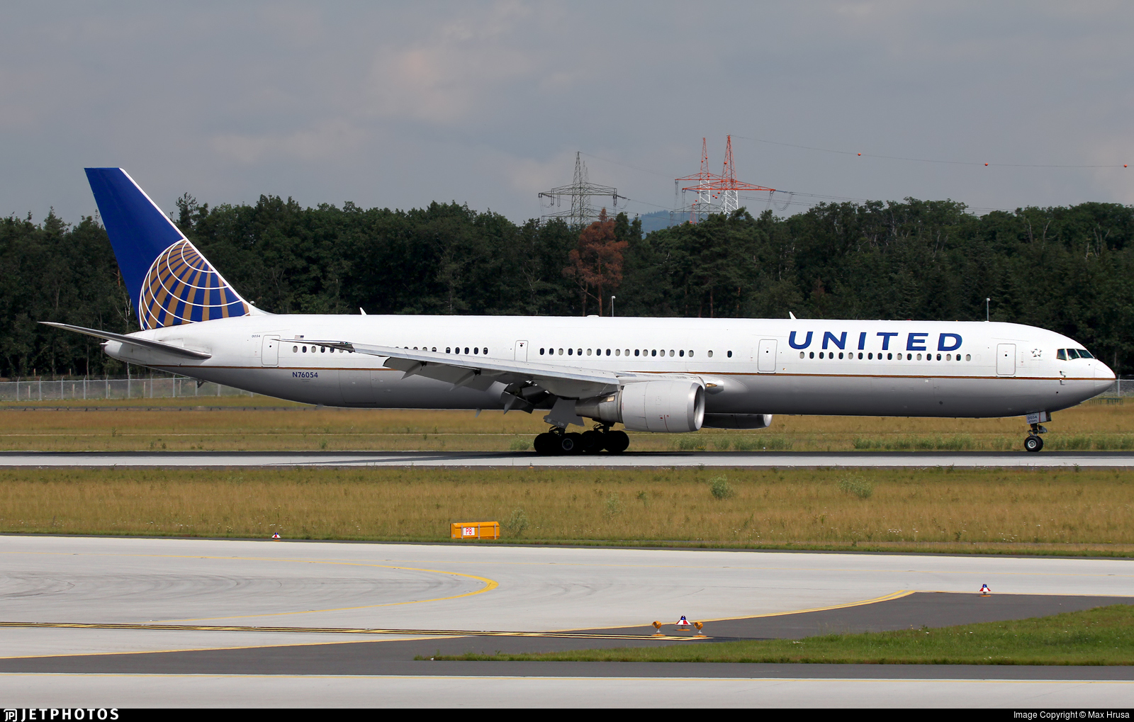 N76054 - Boeing 767-424(ER) - United Airlines