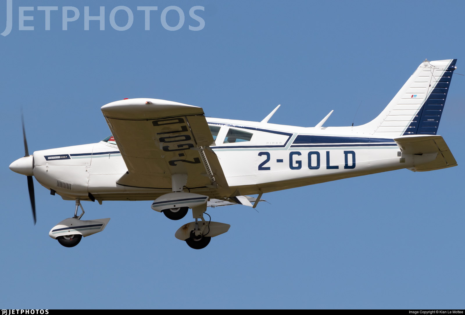 2-GOLD - Piper PA-28-235 Cherokee Pathfinder - Private