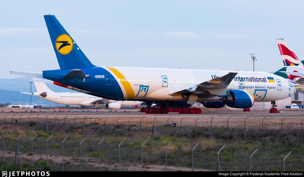 9H-AHU - Boeing 777-28E(ER) - Ukraine International Airlines