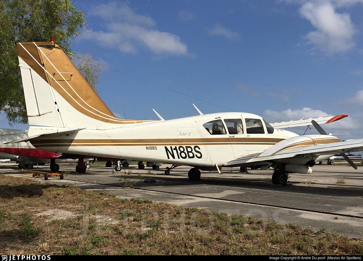 N18BS - Piper PA-23-250 Aztec E - Private