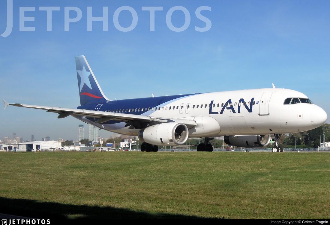 LV-BGI - Airbus A320-233 - LAN Argentina