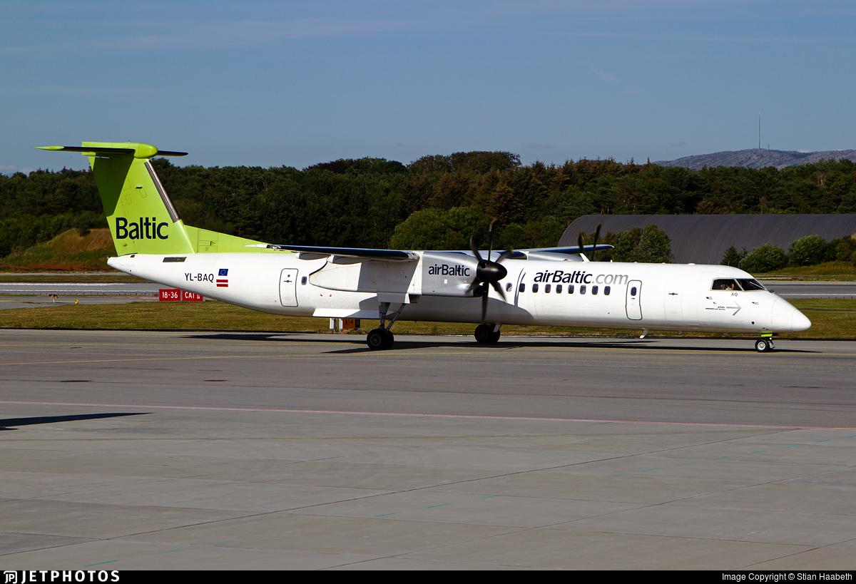 YL-BAQ - Bombardier Dash 8-Q402 - Air Baltic