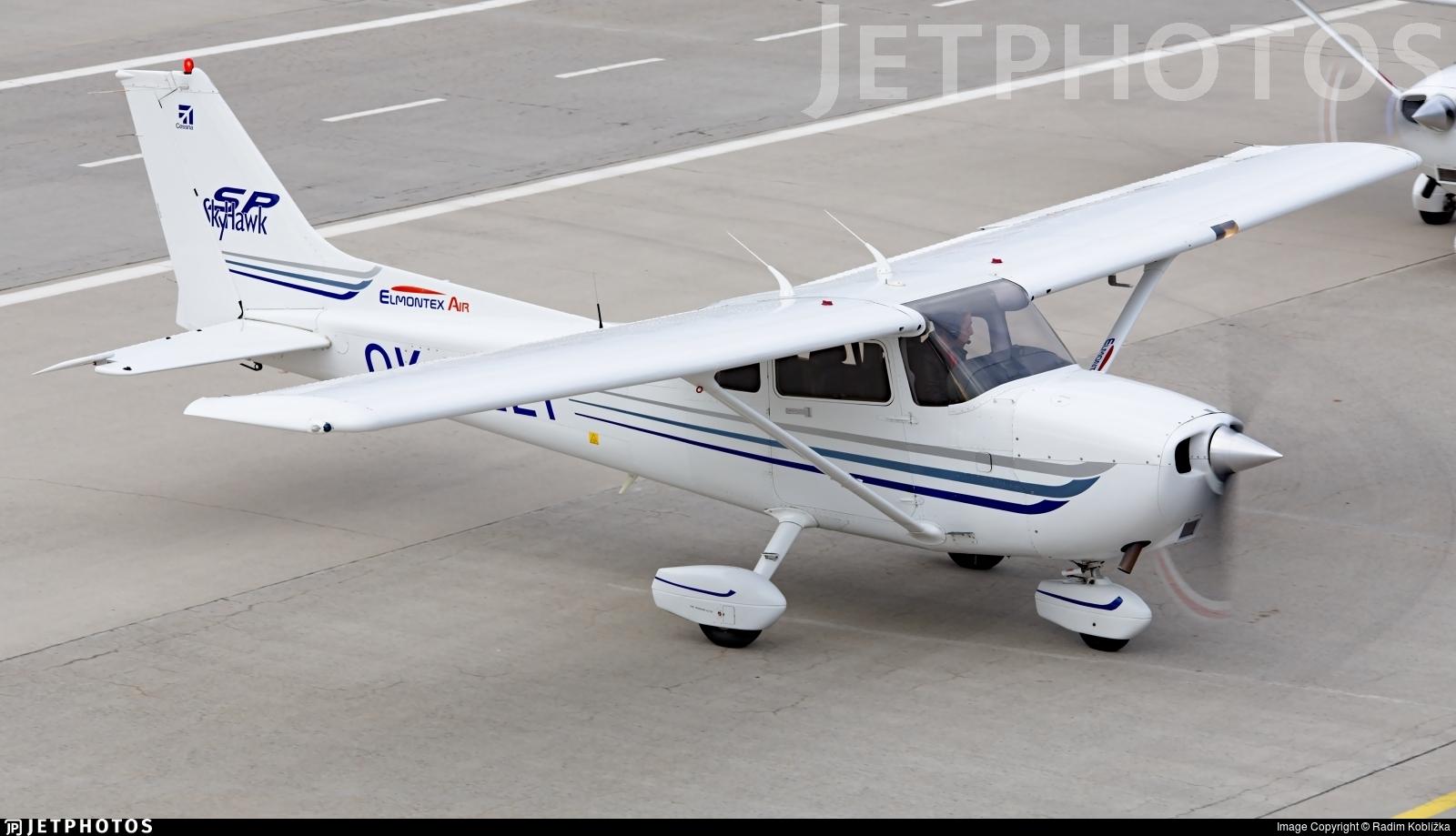 OK-ELT - Cessna 172S Skyhawk SP - Elmontex Air