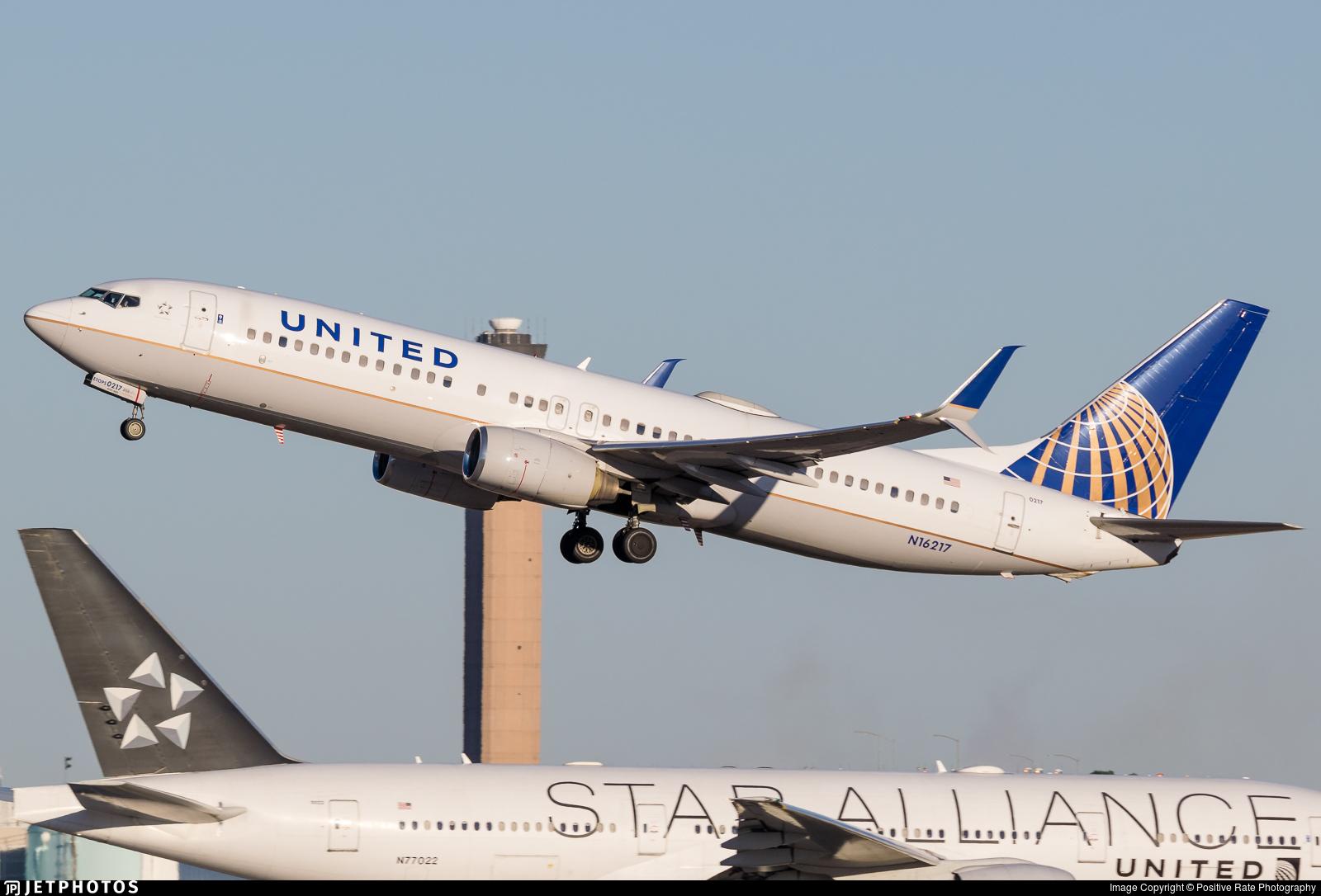 N16217 - Boeing 737-824 - United Airlines