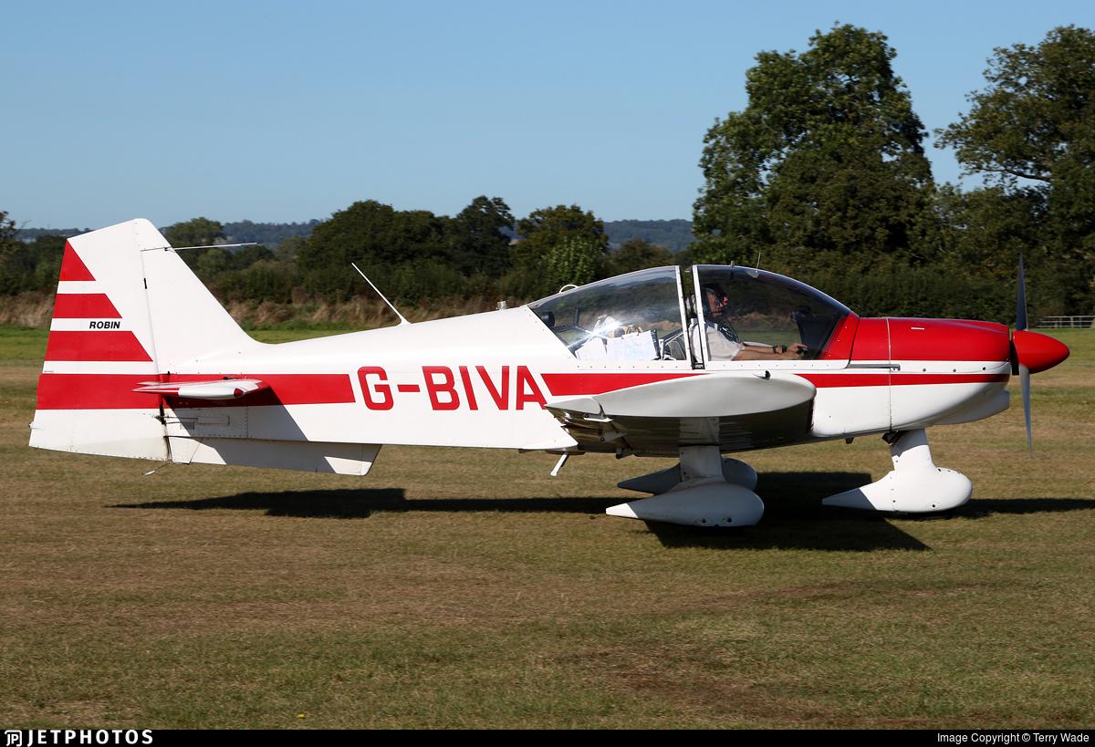 G-BIVA - Robin R2112 Alpha - Private