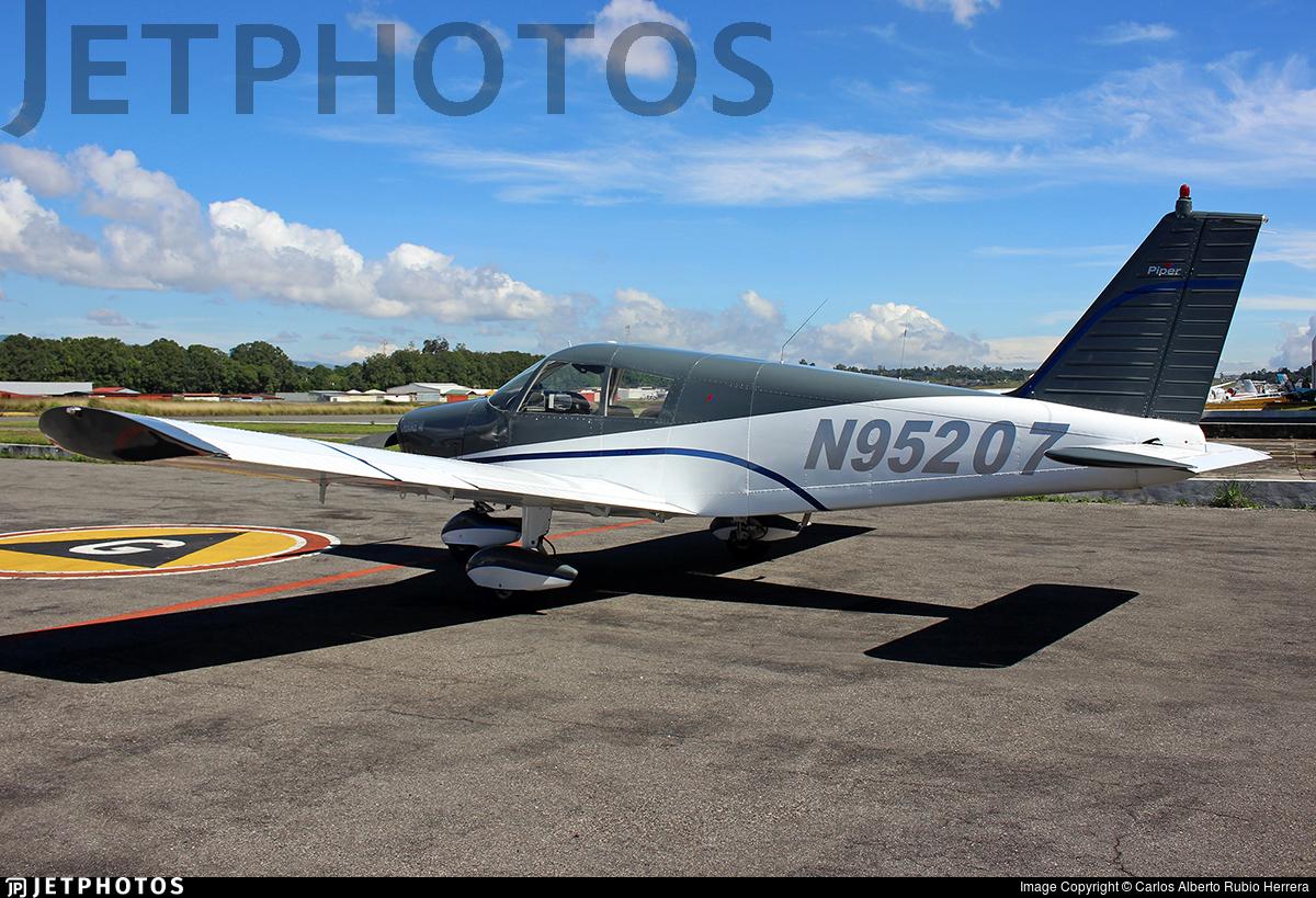 N95207 - Piper PA-28-140 Cherokee - Private