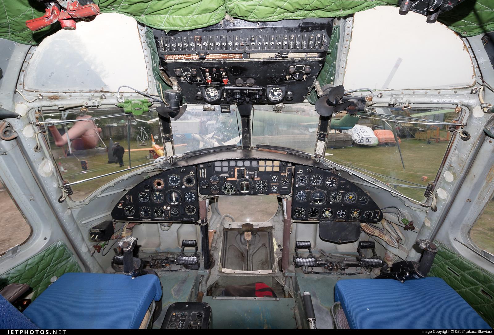 09 - Mil Mi-6 Hook - Russia - Air Force