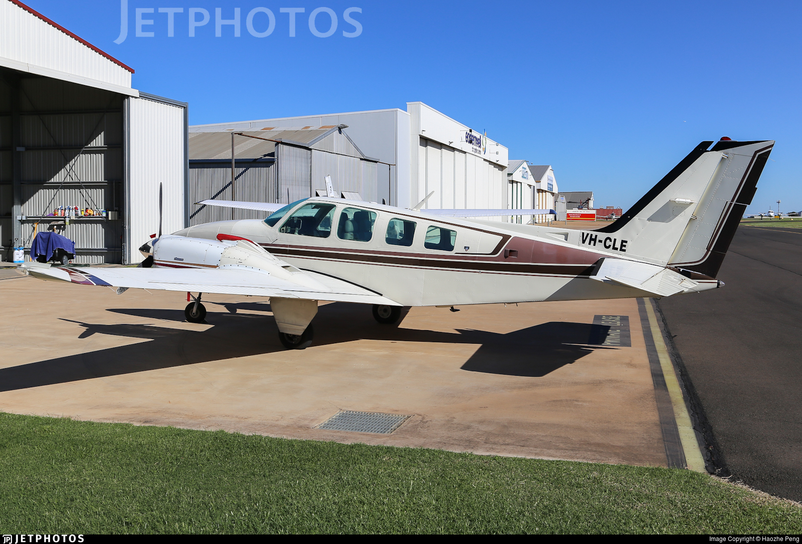 VH-CLE - Beechcraft 58 Baron - Private