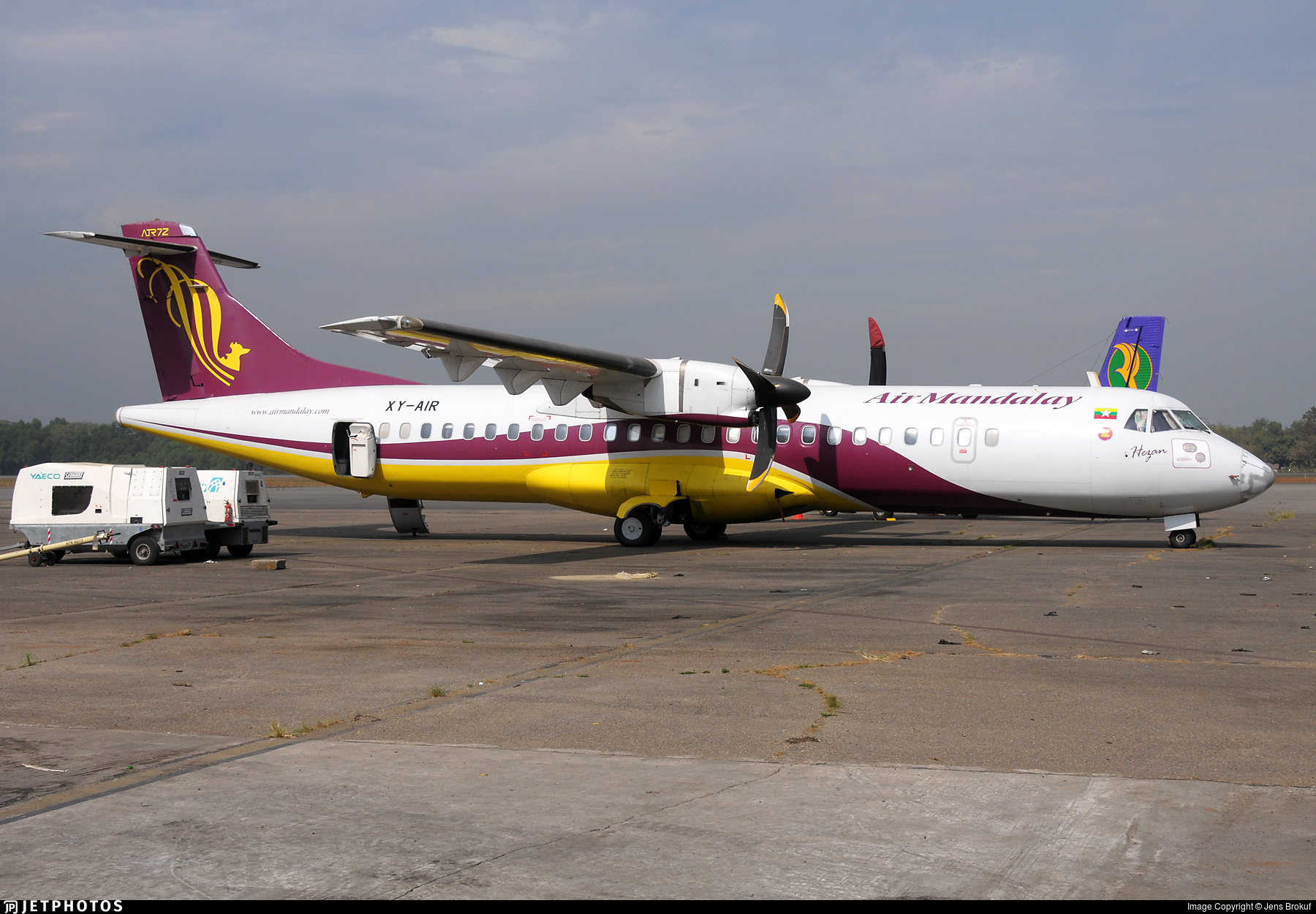 XY-AIR - ATR 72-212 - Air Mandalay