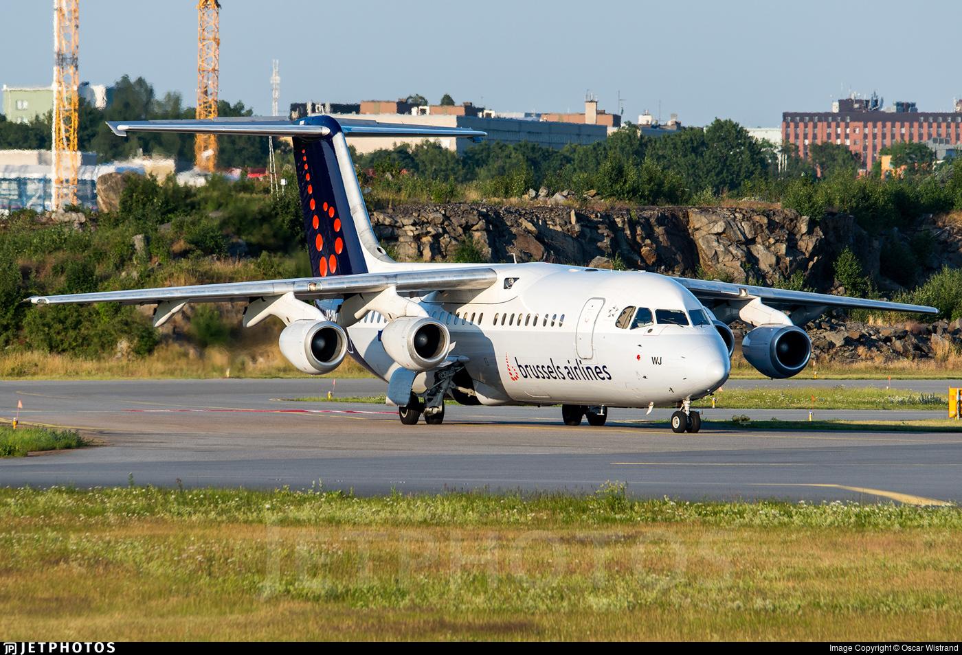 OO-DWJ - British Aerospace Avro RJ100 - Brussels Airlines