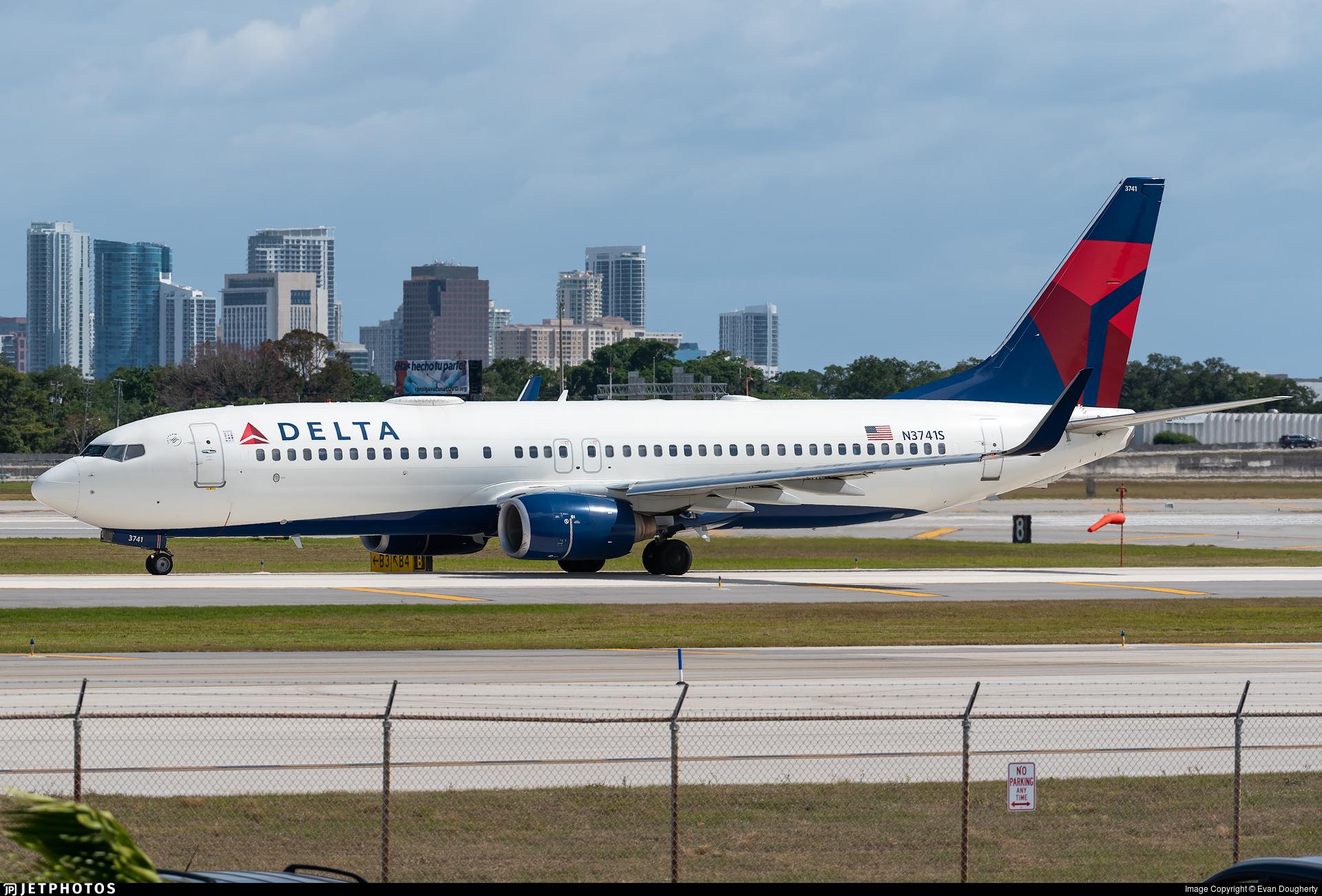 N3741S - Boeing 737-832 - Delta Air Lines