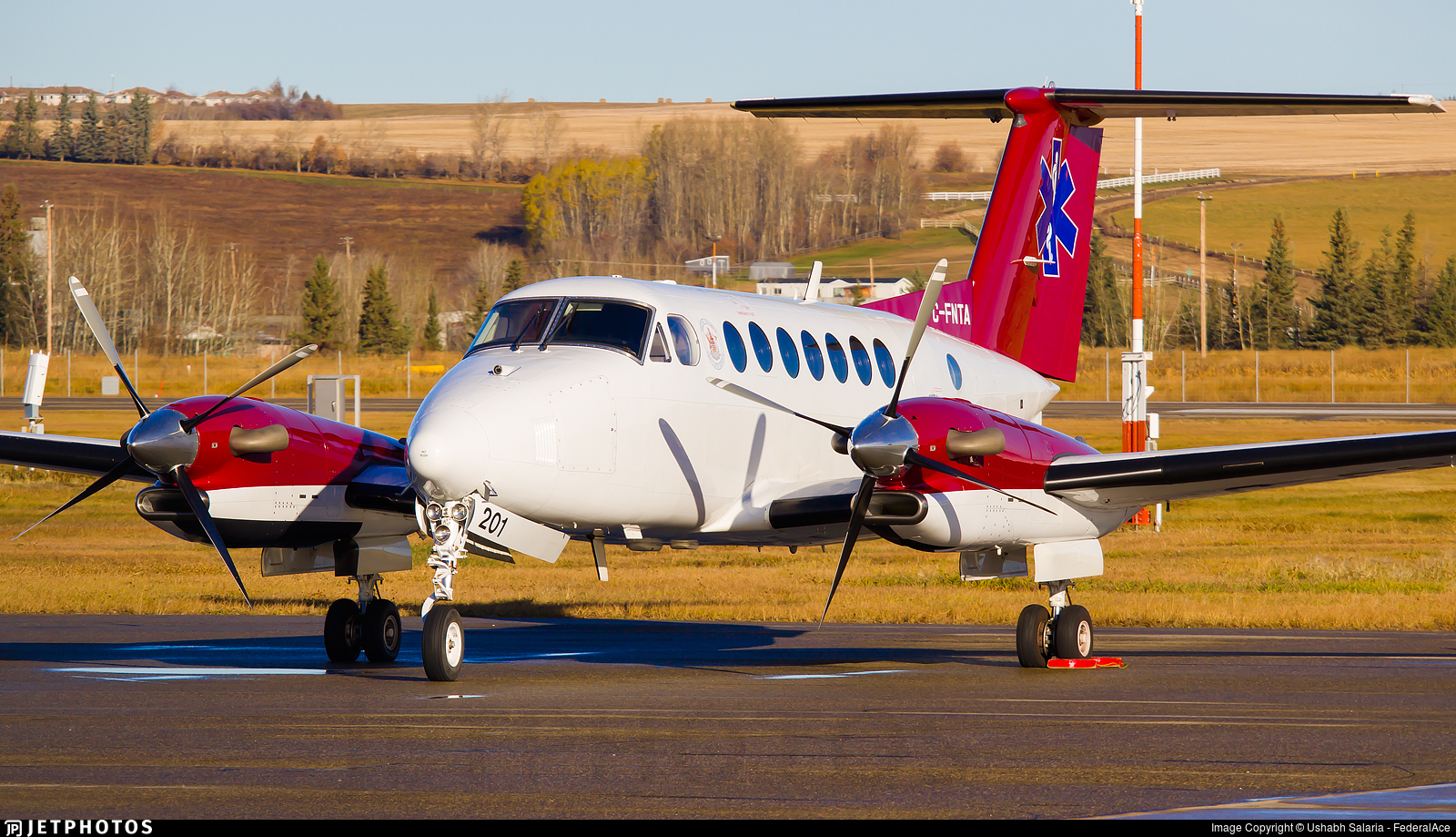 C-FNTA - Beechcraft B300 King Air 350 - Northern Thunderbird Air
