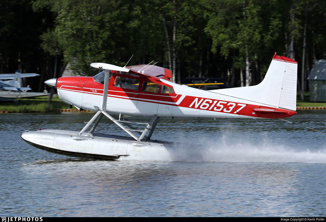 N61537 - Cessna 180K Skywagon - Private