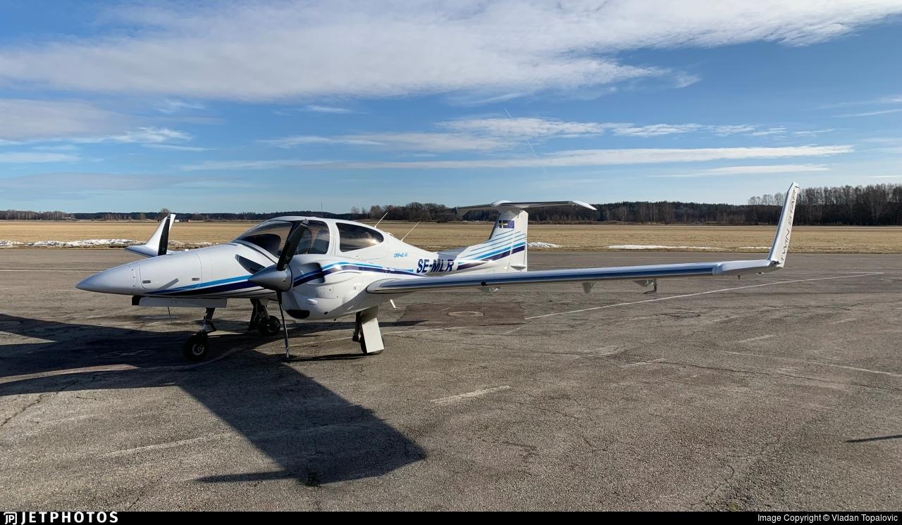 SE-MLR - Diamond DA-42-VI Twin Star - Diamond Aircraft Industries