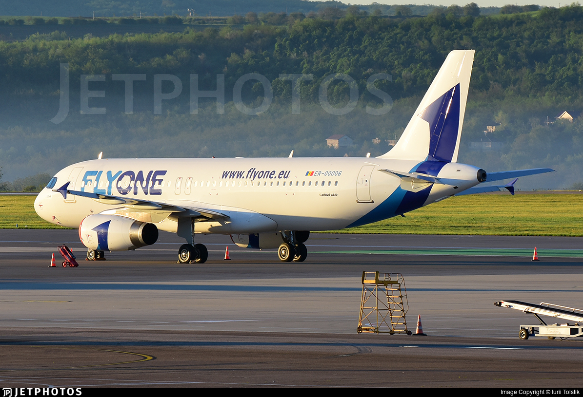 ER-00006 - Airbus A320-232 - FlyOne