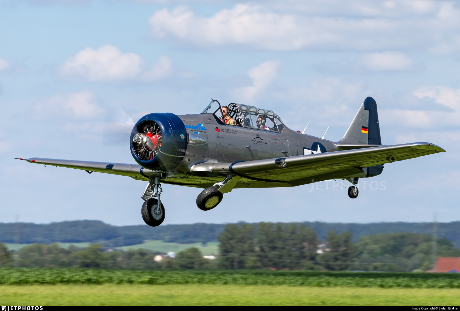 D-FAML - North American AT-6D Harvard III - Private