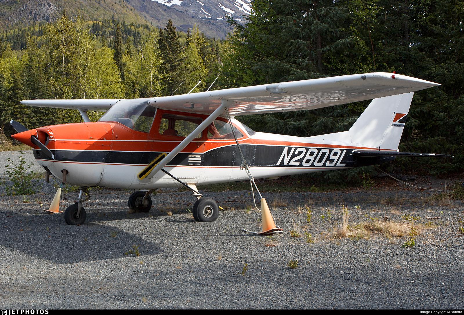 N2809L - Cessna 172H Skyhawk - Private
