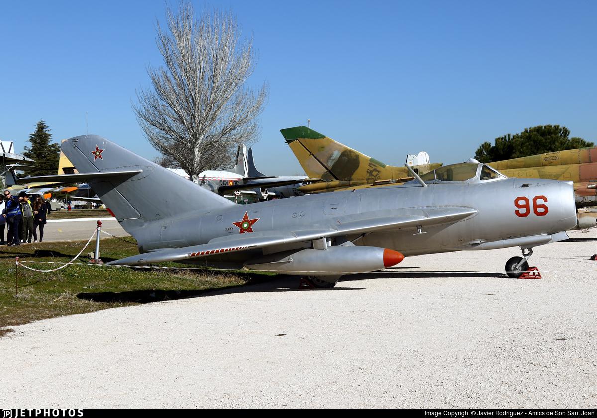 96 - Mikoyan-Gurevich MiG-17 Fresco - Bulgaria - Air Force