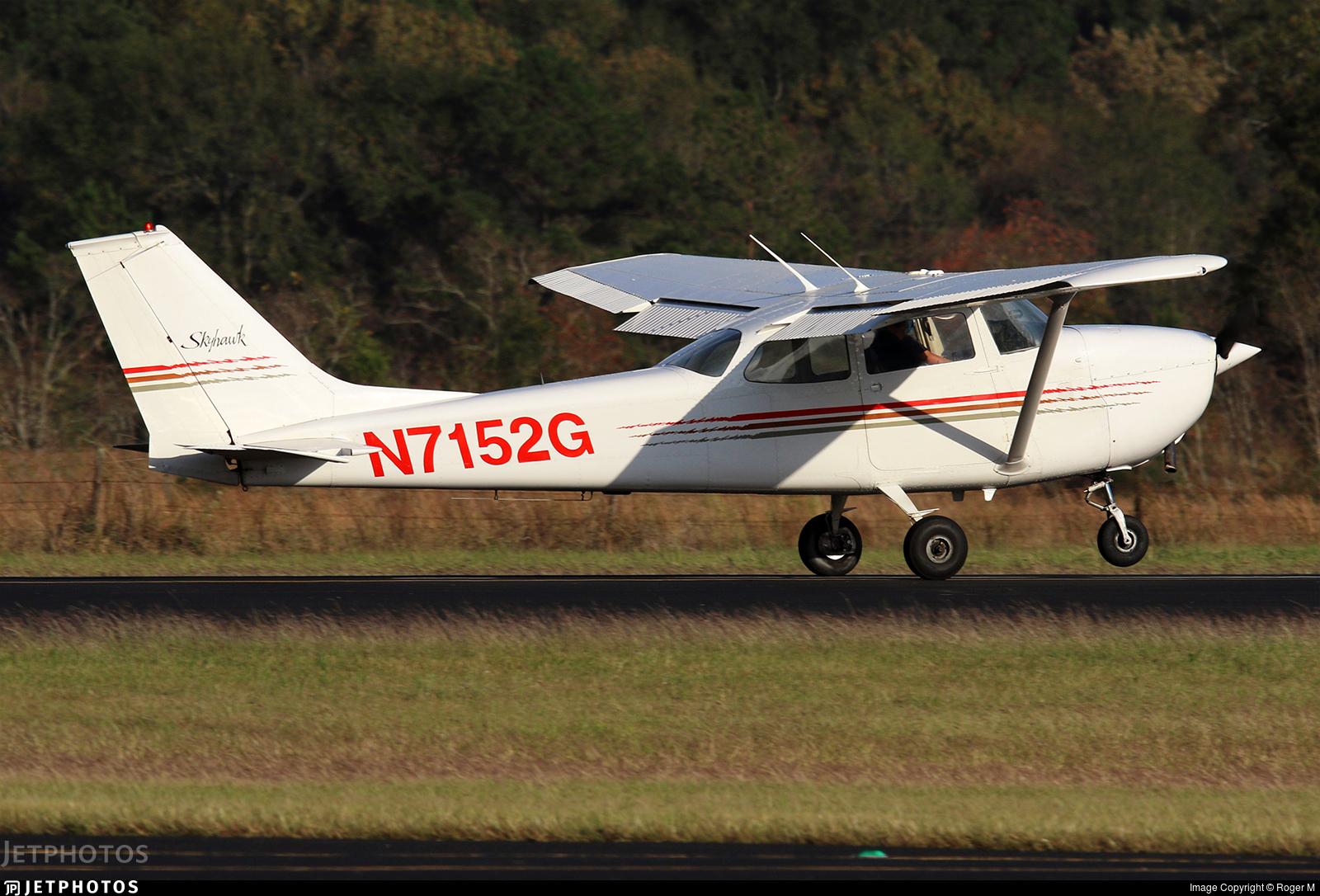 N7152G  - Cessna 172K Skyhawk - Private