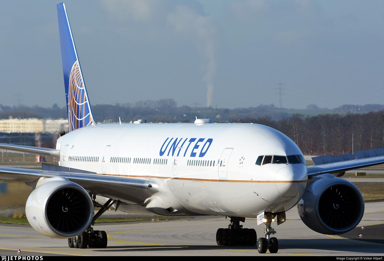 N77014 - Boeing 777-224(ER) - United Airlines