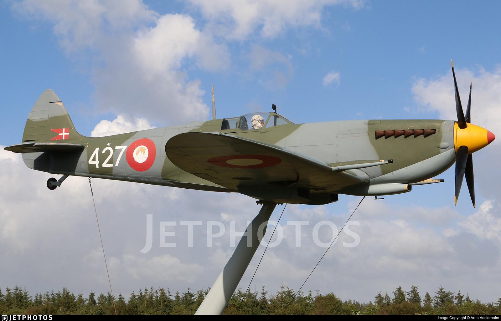 41-427 - Supermarine Spitfire Mk.IX - Denmark - Air Force
