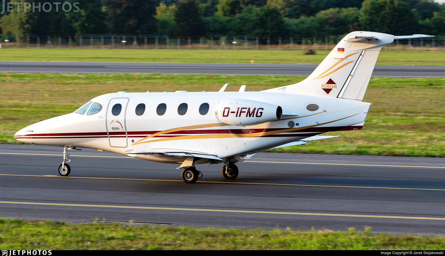 D-IFMG - Raytheon 390 Premier I - Private