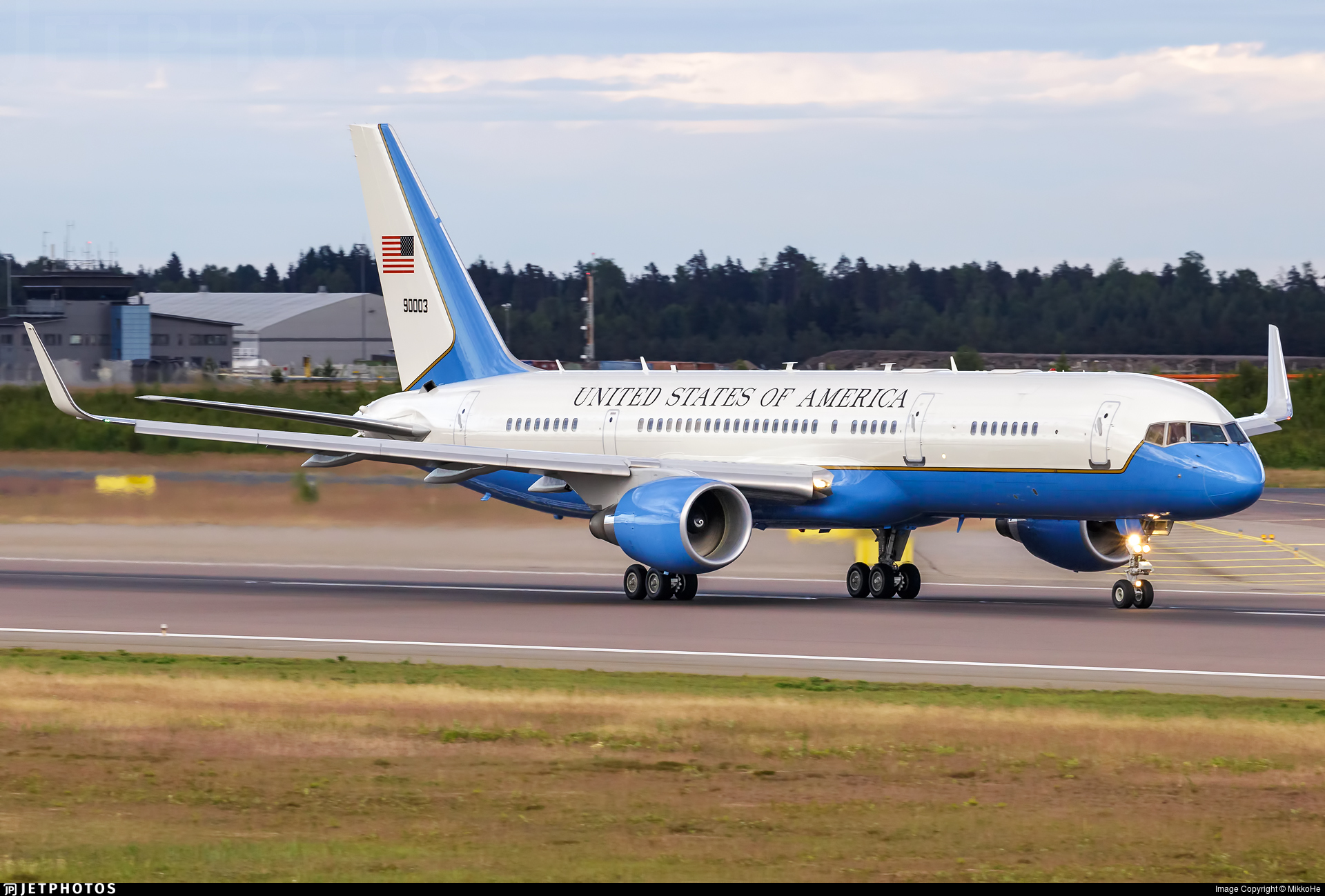 99-0003 | Boeing C-32A | United States - US Air Force (USAF) | MikkoHe | JetPhotos
