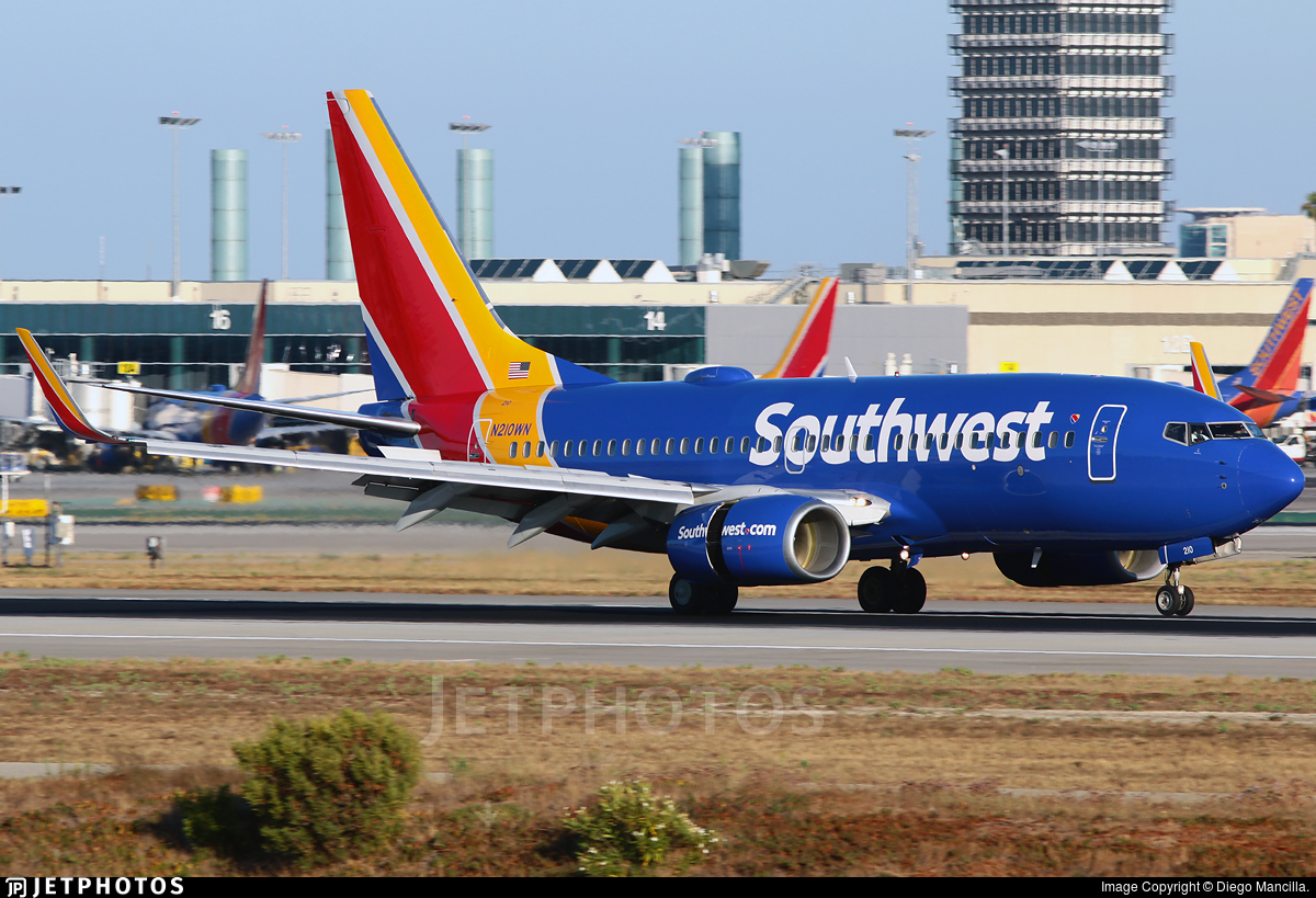 N210WN - Boeing 737-7H4 - Southwest Airlines