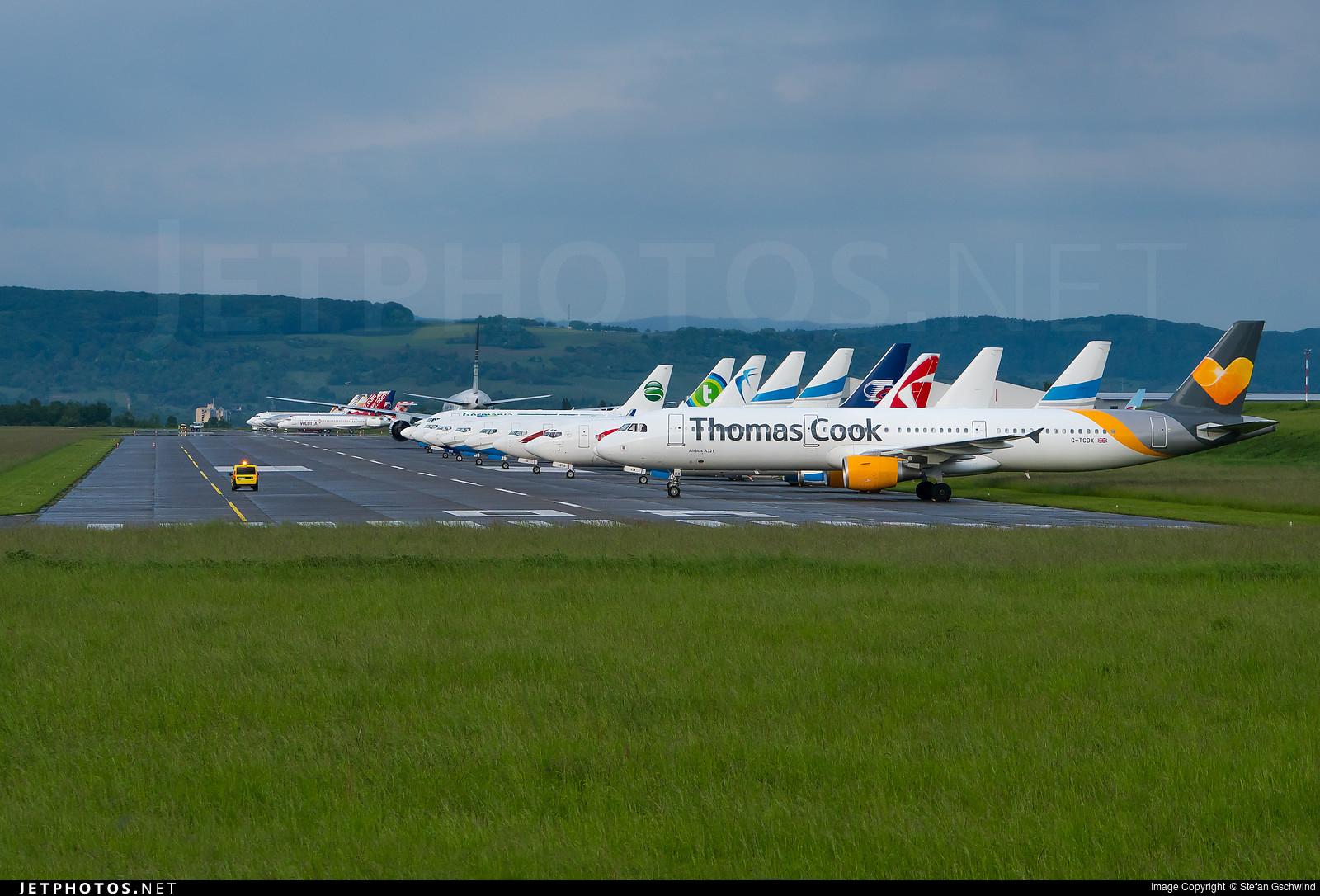 LFSB - Airport - Runway