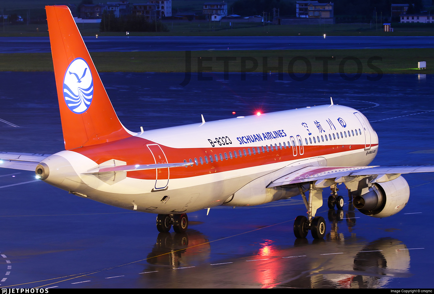 B-8323 - Airbus A320-214 - Sichuan Airlines