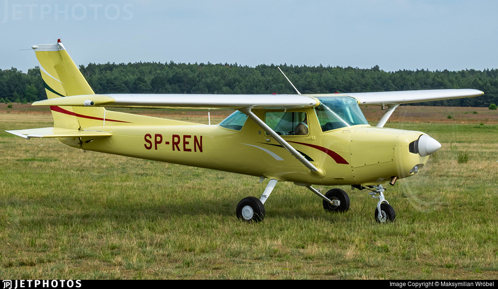 SP-REN - Cessna 152 - Private