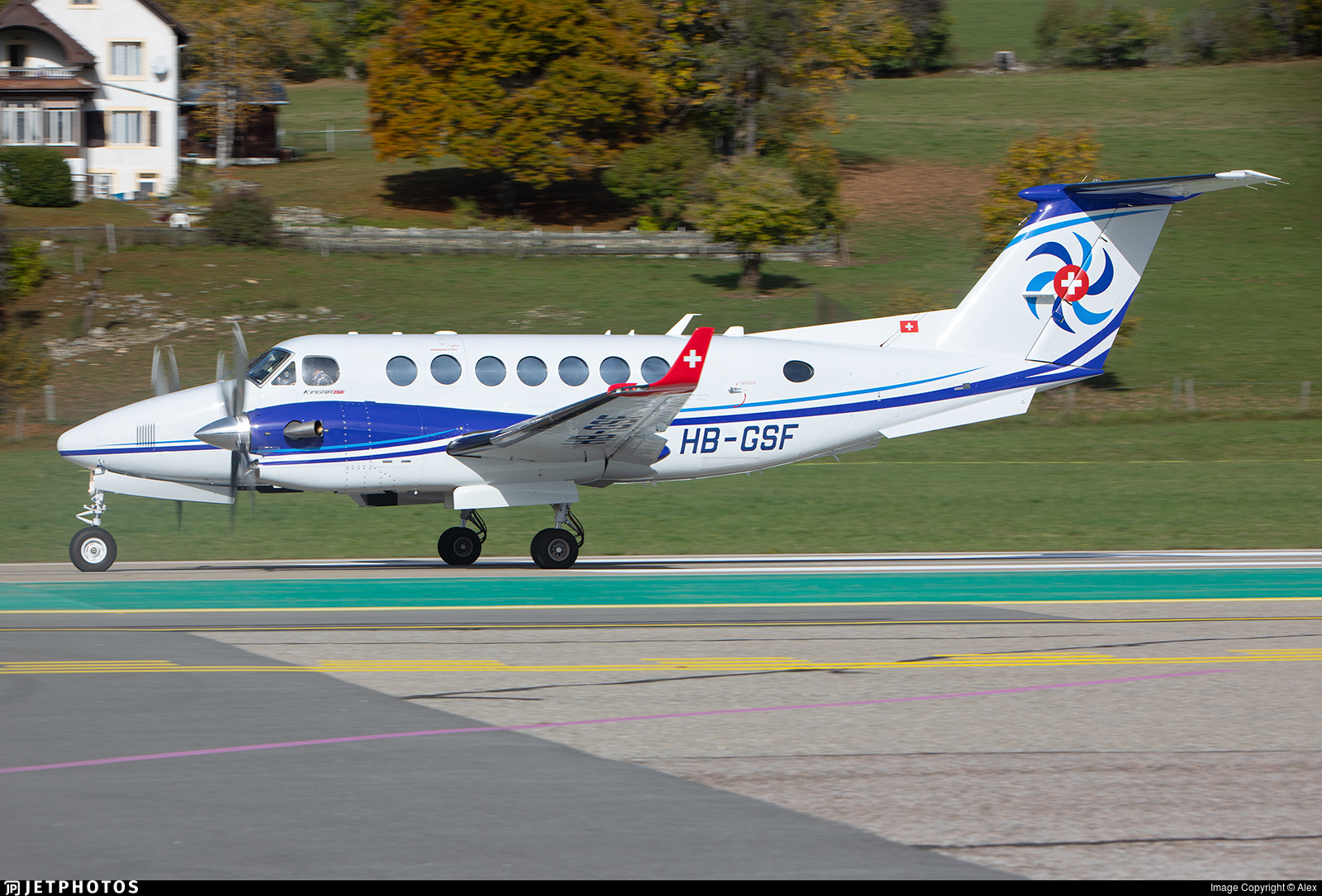 HB-GSF - Beechcraft B300 King Air 350i - Swiss Flight Services (SFS)