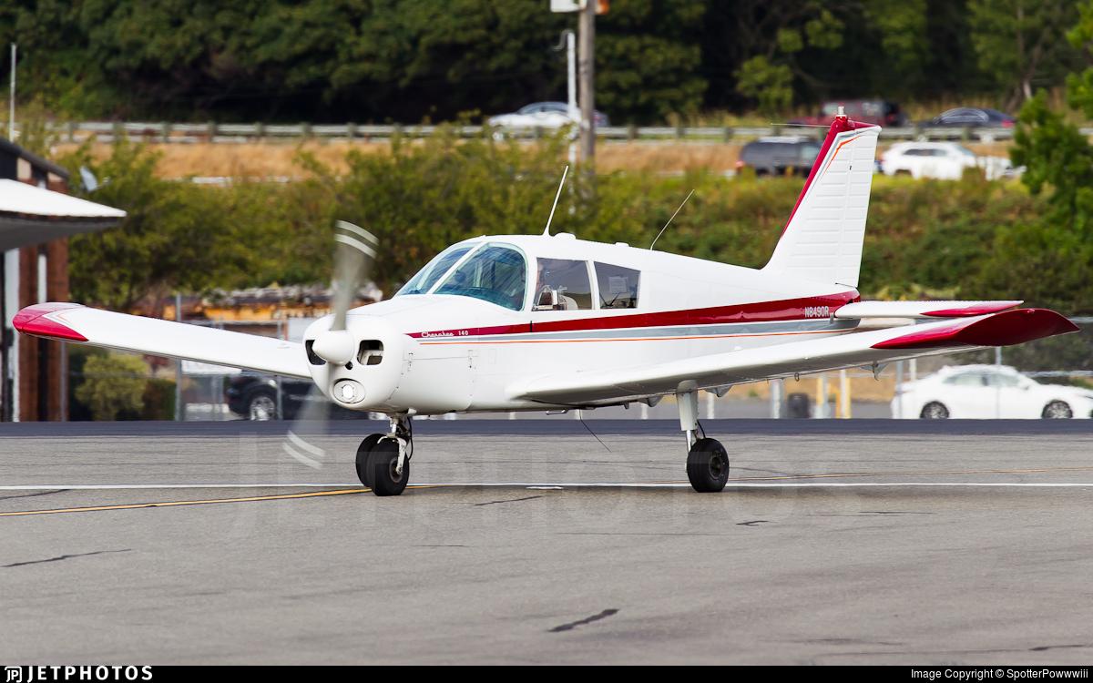 N8490R - Piper PA-28-140 Cherokee - Private