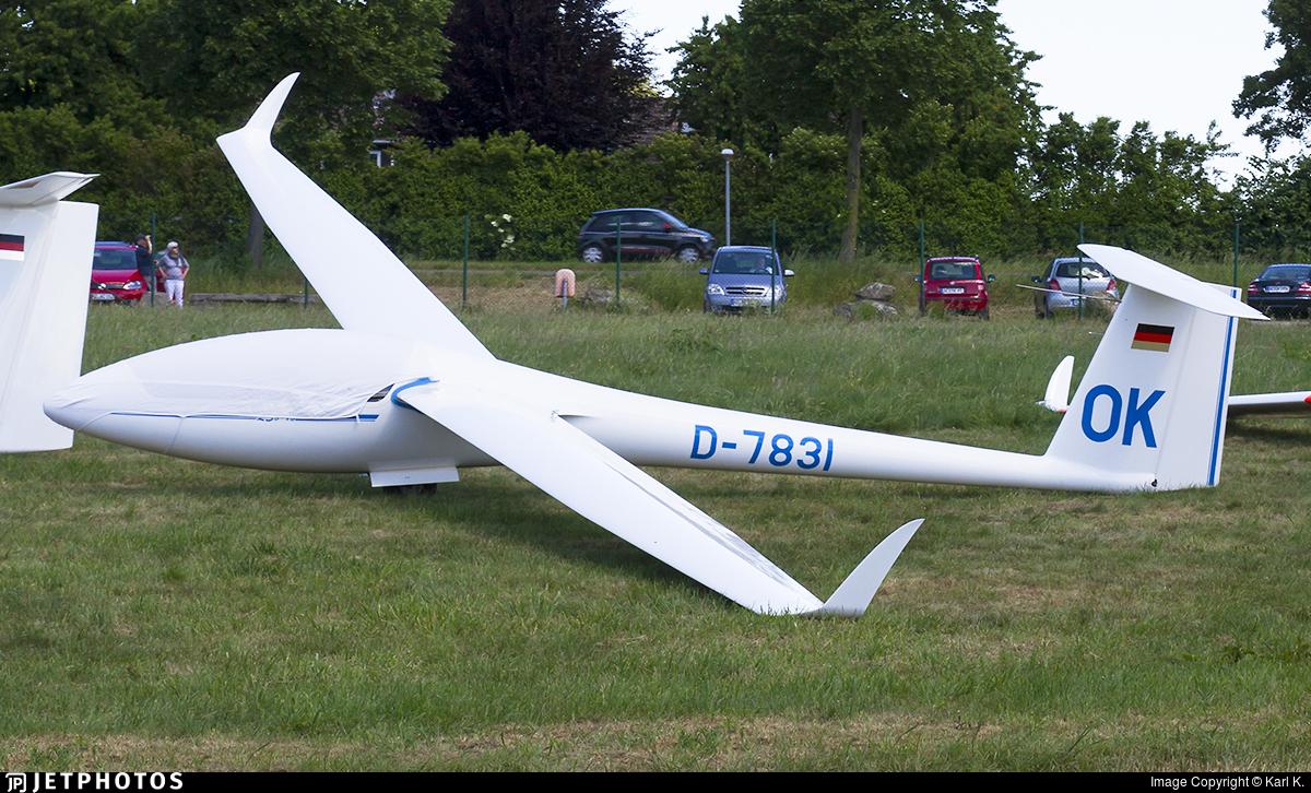D-7831 - Rolladen Schneider LS-8 - Private