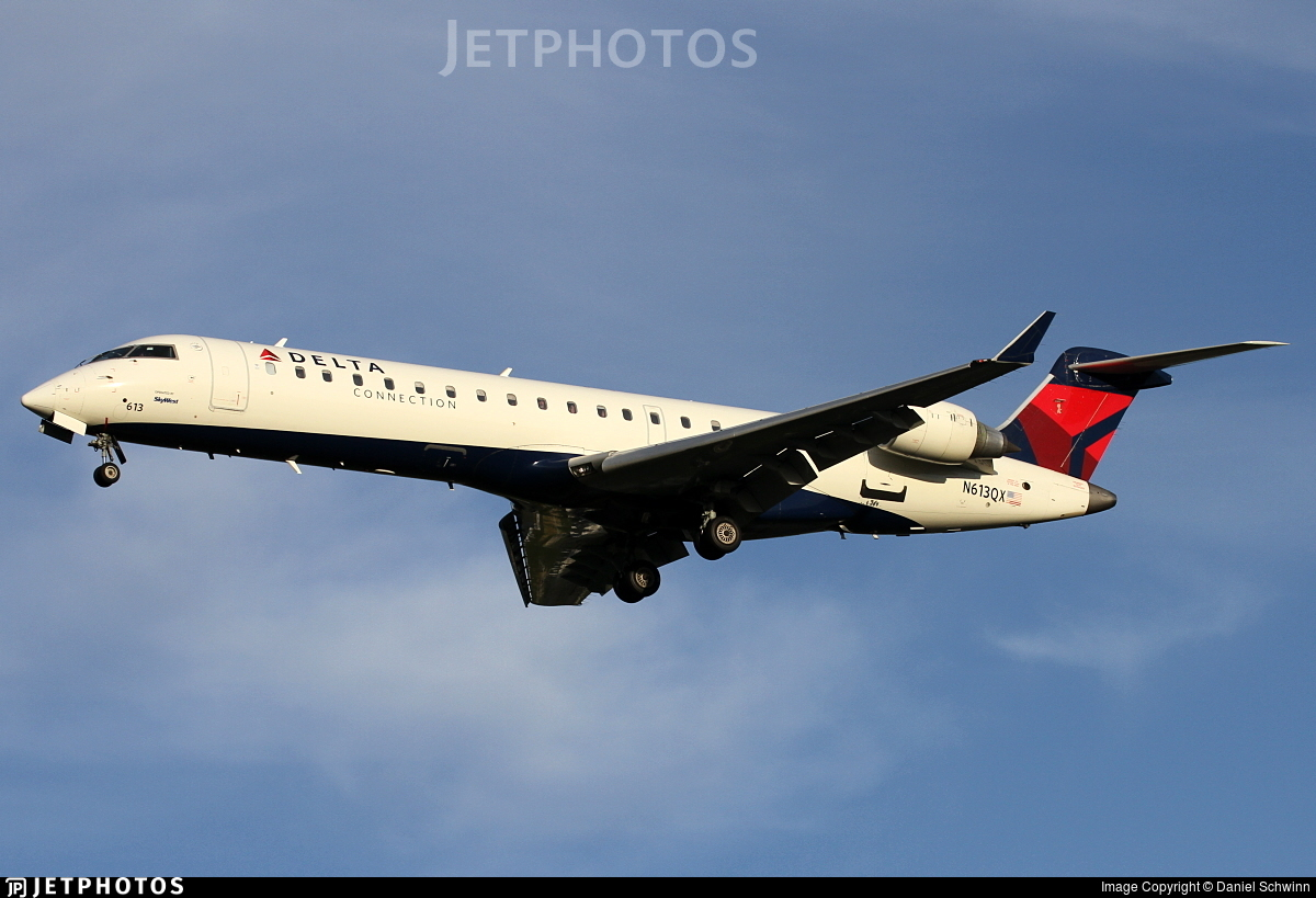 N613QX - Bombardier CRJ-701ER - Delta Connection (SkyWest Airlines)