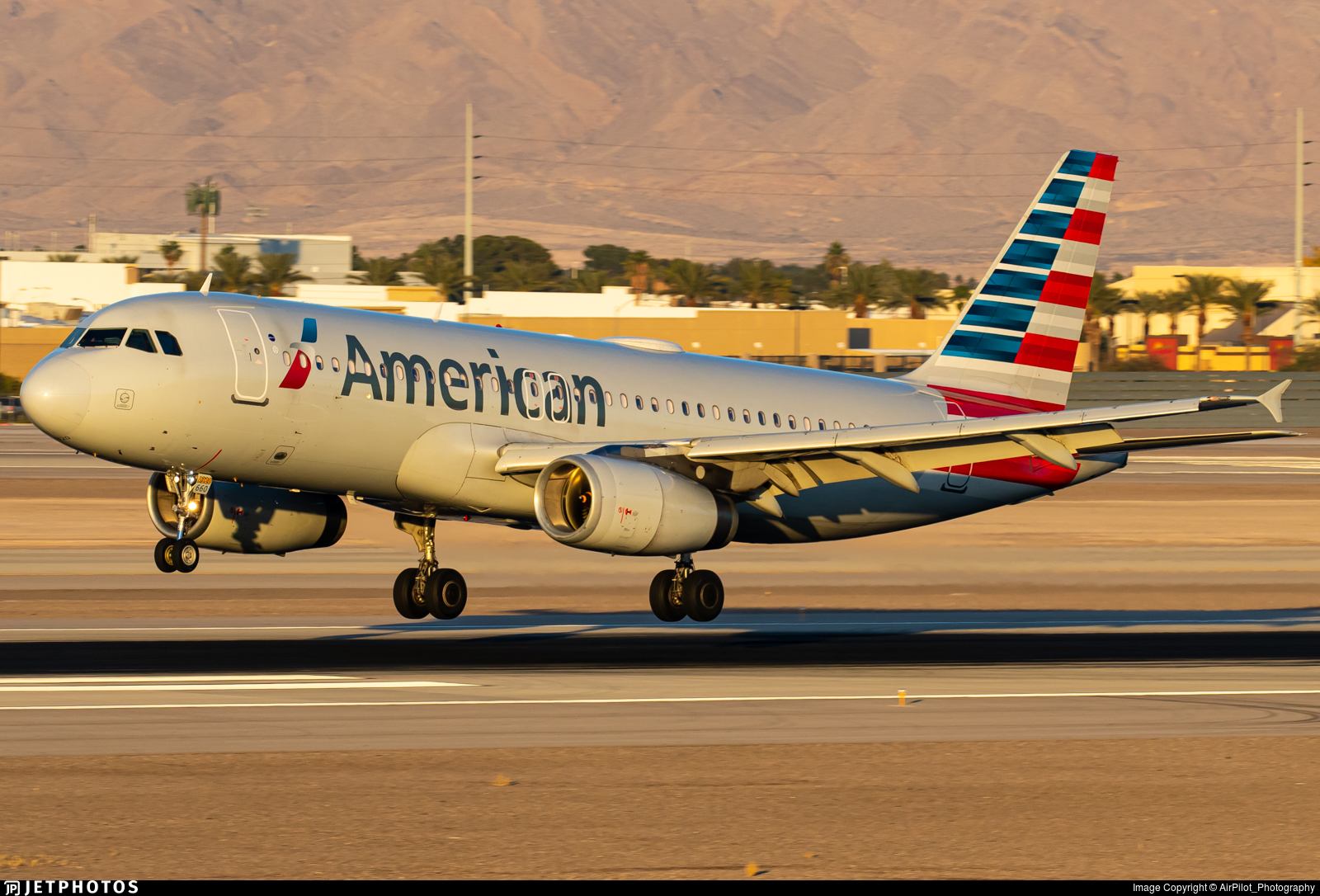 N660AW - Airbus A320-232 - American Airlines